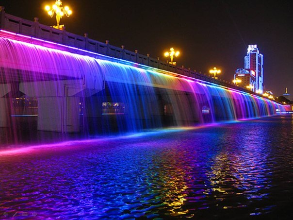 Радужный фонтан в Сеуле